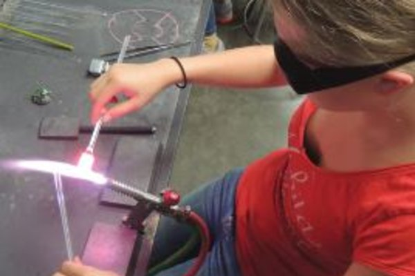 Youth flameworking immersion program