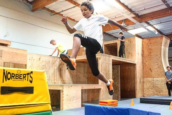 Kids parkour classes %28members open gym%29