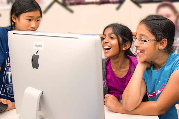 Hero kids explore computers